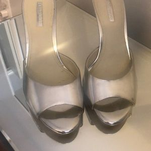 BCBG 🌟silver pumps slightly worn